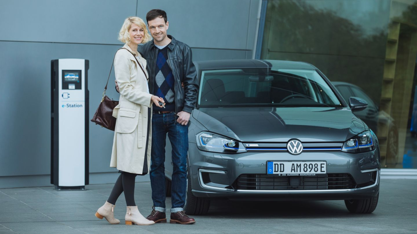 Experience The Future Volkswagen Glserne Manufaktur Vw Wiring Diagram Symbols Automotive Your Special Day With Us